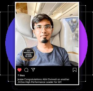 Abhi Dwivedi é o criador do CourseReel